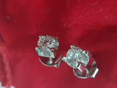 Solitaire diamond earrings made of 18 kt white gold (2.26g) and diamonds (0.80ct)