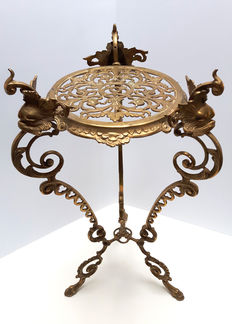 Vintage cherub angel French Rococo Louis XVI side table / plant stand, ca. 1940-1960, France