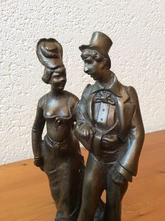 Bronze sculpture of an elegant couple - first half of 20th century