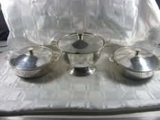 Heavily silver plated cover terrine and 2 cover trays, Sola Zeist, 2nd half 20th century
