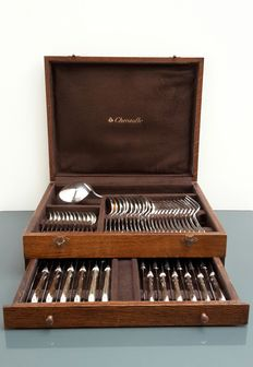 Silver plated cutlery case, model Pompadour, 12 persons, 61 pieces, Christofle, Paris