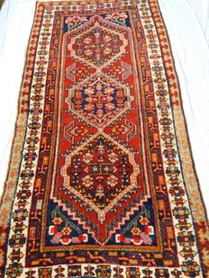 Extraordinary old Sarab carpet – Early 20th century – 220 x 108 cm – Northern Iran – Starting from €1 – No reserve price!!!