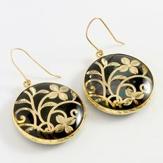 Estate 14kt Yellow Gold  Earrings with Onyx
