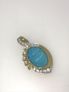 18 kt pendant with turquoise scarabee & brilliant cut diamond.