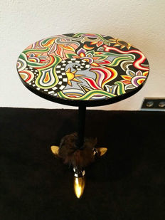 Toms Drag side table design