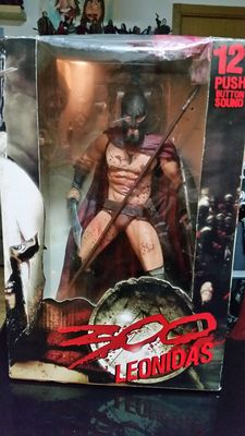 300 - NECA - 12 inch figure - Leonidas - with sound - very detailed figure from Leonidas played by Gerard Butler in the movie