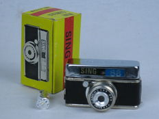 SING 88 subminiature camera, for 17.5mm rollfilm, boxed. Mint.Ca. 1960.