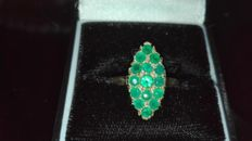 375 gold ring with emerald