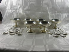 Set with 6 silver plated coupes and 10 ice spoons, 2nd half 20th century