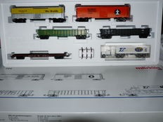 Märklin H0-4862 - five-piece freight carriage set and truck of the American Railroads