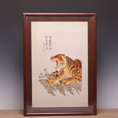 Finely made artwork, made with endless small shells - signed - China - second half 20th century.