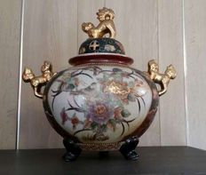 Large incense burner, decor flowers and birds with Fo-Dogs