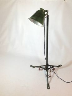 Vintage army lamp on tripod, industrial floor lamp (lot 2)
