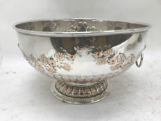 Centrepiece in silver plated copper, England, approximately 1920