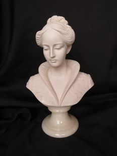 Arnoldo Giannelli - Signed bust of a woman