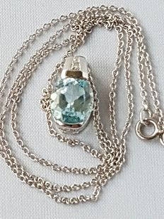 Gold, 14 kt women's necklace with a necklace pendant with topaz and diamonds – necklace length 45 cm.