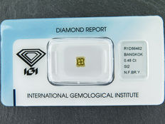 0,48 ct cushion geslepen diamant Natural Fancy brownish yellow Si2