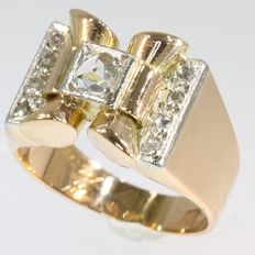 Retro party ring set with diamonds - red gold with white gold details - circa 1940