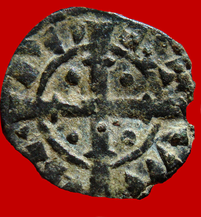 Portugal medieval- D Sancho II (1223 – 1248) Vellon coin (bolhao), (0.73 g, 15 mm) Shields / wide cross