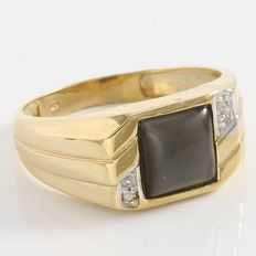 Estate Men's 10kt Yellow  Gold Ring Set With Diamonds and Cat Eye