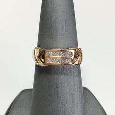 18kt yellow gold with diamonds ring, 0.50ct