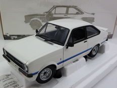 Minichamps - Scale 1/18 - Ford Escort II RS 1800 (rhd) 1975 - White