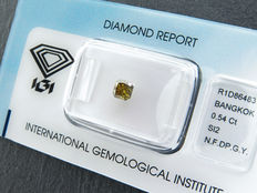 0,54 ct radiant geslepen diamant Natural Fancy deep greenish yellow SI2