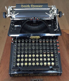 Typewriter with double keyboard, Smith Premier No 10, United States, 1908