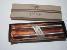 Parker writing set - fountain pen and four-colour pencil - stainless steel - original packaging