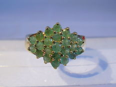 Ring with emeralds approx. 0.70ct in total circa 1970