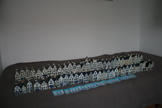 60 KLM houses, 1 x KLM Royal Palace.
