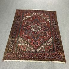 Old hand-knotted Persian rug - herring, 235 x 330cm approx. 80 years old (WITHOUT MINIMUM PRICE FROM 1 EUR)