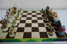 Chess of Asterix and Obelix against Caesar