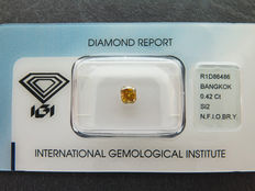 0,42 ct radiant geslepen diamant Natural Fancy Intens orangy brownish yellow Si2