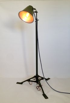 Unknown designer – Vintage army light on tripod, industrial floor lamp