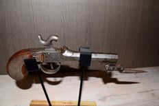 Percussion pistol with original bayonet