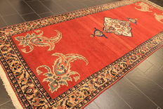 Exclusive semi-antique hand knotted PERSIAN oriental carpet around 1950 exotic Bachtiar Bachtiari Made in Iran 175 x 460 cm