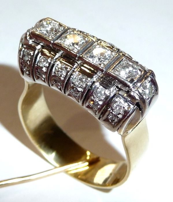 ring in 14kt 585 gold with 1ct diamonds set