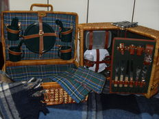 2 Picnic Baskets for 4 and 2 persons, with large, beautiful plaid blanket.