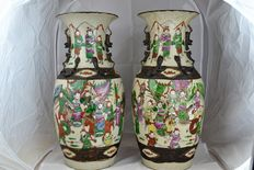 A Pair Large Famille Rose Porcelain warriors crackle Vases - China - late 19th/early 20th Century