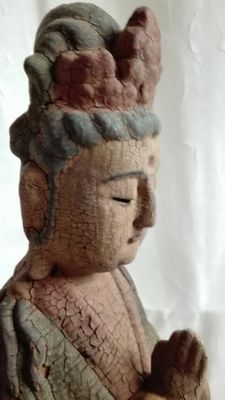 Handcut wooden meditating Guan Yin statue - China - late 20th Century