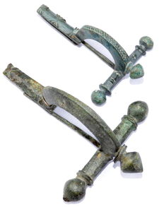 Two Ancient Roman Decorated Military Crossbow Brooches - 60/75 mm (2)