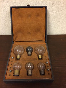 Vintage box with spare bulbs and fuses
