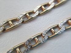 Gold necklace of 14 kt with diamond cut links