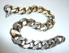 A heavy men's bracelet in 835 silver, design: Panzer chain, seamless optic due to the integrated clasp