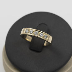 Yellow gold ring with brilliant cut diamonds – Ring size: 16 (Spain)