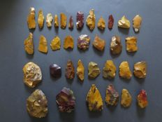 Large collection of 34 beautiful Mousterian Neanderthal artifacts from Fontmaure/France 4 / 14 cm (34)