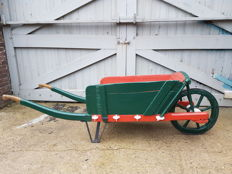 Wooden wheelbarrow with detachable side pieces - Netherlands - 19th century