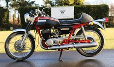 Suzuki - T500 Twin - Model J - 1973