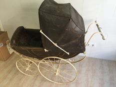 Nice French buggy. Before 1900